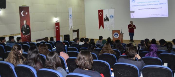 Kırklareli Üniversitesi Kayalı Kampüsünde Kariyer Hizmetleri Bilgilendirme Semineri Gerçekleştirildi